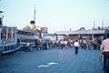 L' embarcadère d' Eminönü.jpg