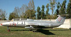 L-29 Delfín Hu 01.jpg