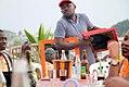 Le vendeur de Miroir dans un maquis d'Abidjan.jpg