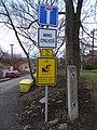 Máslovice, Vltavská, dopravní značky.jpg