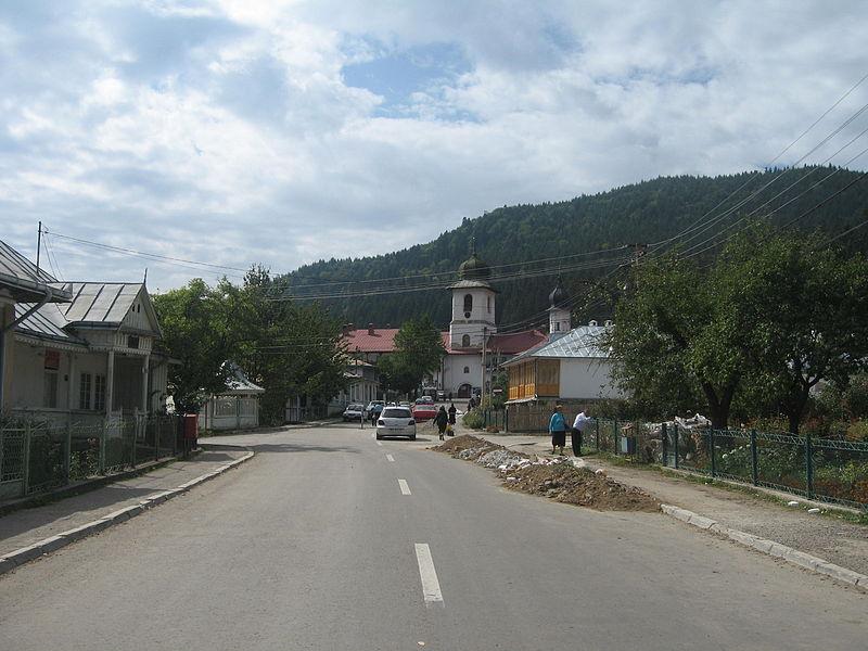File:Mănăstirea Agapia2.jpg