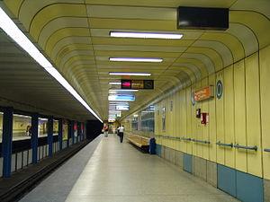 Gyöngyösi utca (Budapest Metro) - Image: M3 Gyöngyösi utca 1