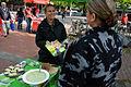 Maaret Westphely, für das Bündnis90Die Grünen im Niedersächsischen Landtag, hier mit Programmheft am Wahlstand am Klagesmarkt vor der Bundestagswahl 2013.jpg