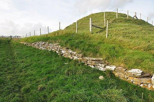 Maiden Castle ramparts (8993)