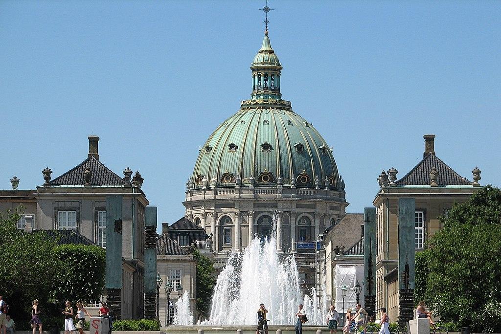 Eglise de marbre inspiré de Saint Pierre de Rome à Copenhague - Photo de Jeanie Mackinder