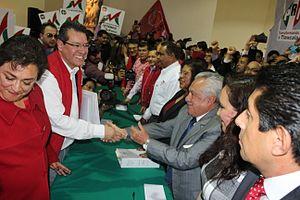 Governor of Tlaxcala - Image: Marco Mena Rodríguez durante su prerregistro como candidato al Gobierno de Tlaxcala