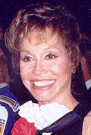 Mary Tyler Moore 1993 crop.jpg