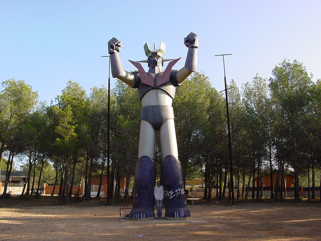 Mazinger Z Wikipedia >> File:Mazinger Z in Tarragona 03.JPG - Wikimedia Commons