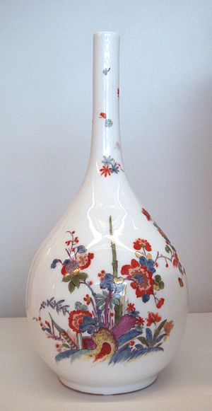 "Meissen porcelain - Meissen hard porcelain vase, circa 1730. Indianische Blume (""Flowers of the Indies"") in imitation of the Kakiemon style of Arita porcelain, Japan. Musée des Arts Décoratifs, Paris."