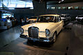 Mercedes-Benz 220S 1964 LSideFront MBMuse 9June2013 (14960636166).jpg