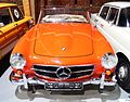 Mercedes 190 SL - przód - Muzeum Motoryzacji Topacz.jpg