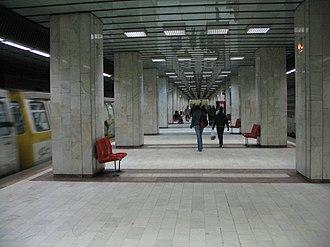 Militari - Image: Metro armatapoporului bucharest RO