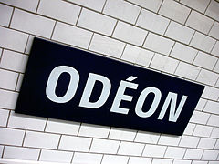 Metro de Paris - Ligne 10 - Odeon 02.jpg