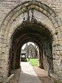 Middleham Castle - Entrance to castle.jpg