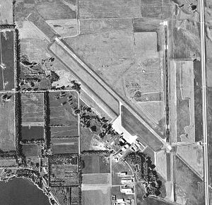 Mitchell Municipal Airportt-04-Oct-1997-USGS.jpg