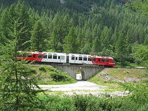 Saint-Gervais–Vallorcine railway - A train near Le Buet.