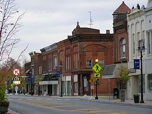 English: Downtown, Montpelier, Ohio (Sunday ev...