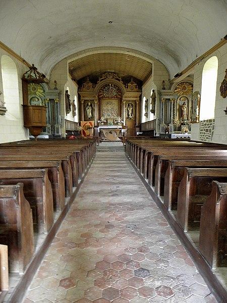 Église Saint-Martin de Montreuil, commune de Montreuil-Poulay (53). Intérieur.