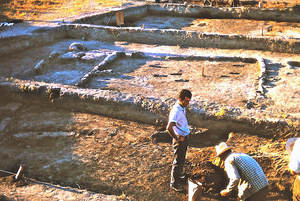 Nea Nikomedeia - Excavation of an Early Neolithic house at Neo Nikomedeia in July 1963
