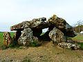 Neuville-de-Poitou dolmen Pierre levée (6).JPG