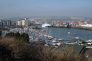 Newhaven Marina and Port - geograph.org.uk - 1216489.jpg