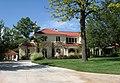 Nichols Hills, Oklahoma City, OK, USA (6910 Avondale Dr - 4 beds 5.5 baths 6,942 sqft) - panoramio.jpg