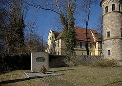 Nikolai Kriegerdenkmal Schloss 0141.jpg