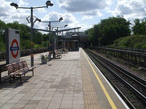 Northolt station look east2