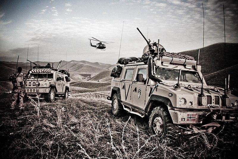 مسابقة ما نوع المركبة  - صفحة 10 800px-Norwegian_Iveco_LMV