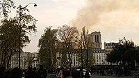 Notre-Dame de Paris, Incendie 15 avril 2019 20h13.51.jpg