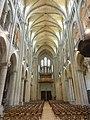 Noyon (60), cathédrale Notre-Dame, nef, vue vers l'ouest 2.jpg