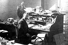 Oliver Perry Hay at his desk at the Carnegie Institution.jpg