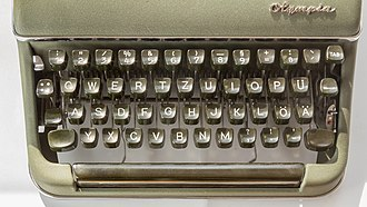 German keyboard layout - Keyboard of a mechanical typewriter Olympia SM3, produced 1954 by Olympia Werke, Germany.