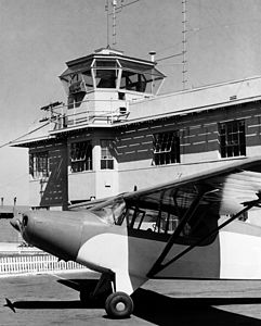 Orange County Airport tower, 1950s.jpg