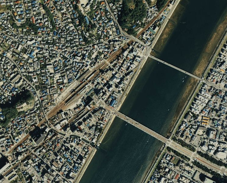 File:Ota river and Nishi-Hiroshima Station 1988.jpg