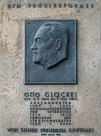 Otto Glöckel - Otto Glöckel memorial plaque, Vienna.