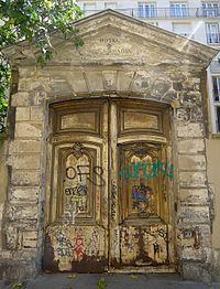 P1040563 Paris IV rue Beautreillis n°6 vestiges ancienne porte hôtel particulier-détail rwk.JPG