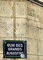 P1170424 Paris VI quai des Grands-Augustins ancien nom rwk.jpg