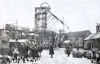 Minnie Pit, photographed the day after the disaster.
