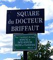 Panneau du square du Docteur Briffaut.JPG