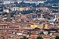 Panorama di Bologna, al centro si vede la torre dell'Arengo. - panoramio.jpg