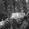 Parade over het Lange Voorhout Prins Bernhard en commandant De Ruyter van Stev…, Bestanddeelnr 900-5371.jpg