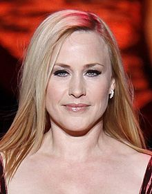 Patricia Arquette at Heart Truth 2009 (cropped 2).jpg