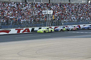Paul Menard - Menard leads at Talladega in 2006