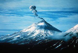 English: Pavlof Volcano, Alaska Peninsula Nati...