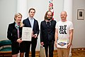 Paziņo Latvijas oficiālās Facebook lapas konkursa uzvarētāju 07.10.11. (6220059850).jpg