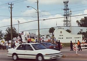 2000 United States presidential election recount in Florida - The Palm Beach County recount attracted protestors and media.