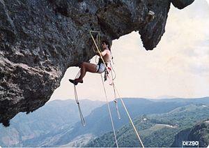 Aid climbing - Image: Pedra do Bau Negative climbing 2