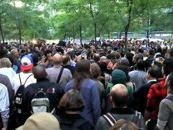 קובץ:Peoples Microphone Occupy Wall Street 2011 Shankbone.ogv