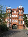 Pfeiffer Arch - Newnham College - geograph.org.uk - 783145.jpg